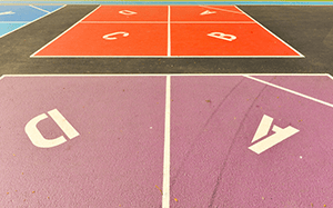How to play four square.